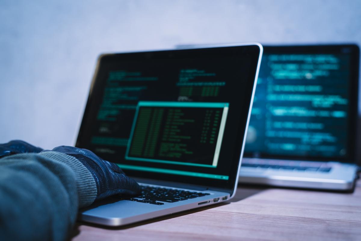 道德黑客正在hack自家公司的系統